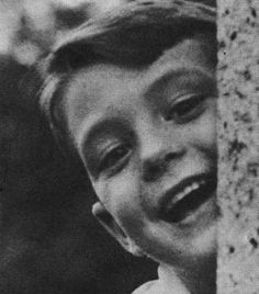 A young Michael Nesmith (The Monkees) What a cutie! Funny, this looks just like a photo I pinned earlier of him. Just add some groovy shades. ;)