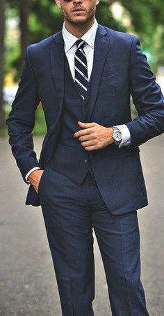Navy blue suit for men #styletip #gq #menswear
