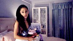 Ariana Grande as Chanel in Scream Queens Ariana Grande Gif, Ariana Grande Pictures, Scream Queens Season 1, Scream Queens Gif, Spoiler Alert, Channel 2, Tumblr, Dangerous Woman, Snl