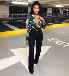 floral print bodysuit 😍😍 link in my story! Night Outfits, Classy Outfits, Chic Outfits, Trendy Outfits, Fall Outfits, Fashion Outfits, Womens Fashion, Classy Casual, Fashion Ideas