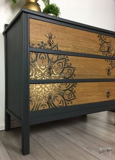 Chest of drawers in dark gray with mandala stencil painted with gold detail The post com . - Chest of drawers in dark gray with mandala stencil painted with gold detail The post Chest of drawe - Funky Furniture, Refurbished Furniture, Paint Furniture, Repurposed Furniture, Furniture Projects, Furniture Makeover, Gold Painted Furniture, Bedroom Furniture, Furniture Sets