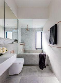 24 gorgeous bathroom remodel ideas with bathtub 7 Modern Bathroom Design, Bathroom Interior Design, Modern House Design, Interior Design Living Room, Kitchen Interior, Interior Decorating, Diy Bathroom Remodel, Family Bathroom, Master Bathroom