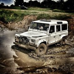 land rover defender playing in the mud West Coast Australia, Indiana Jones, Land Rover Defender 110, Landrover Defender, Rolls Royce, Jeep, Aston Martin, Jaguar, Best 4x4
