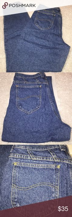 """Vintage very High Waist Tapered Leg Lee Jeans Tag size 12 Long. 29.5""""x 34"""". Actual Measurements Laid Flat: 14.75"""" Waist; 13.5"""" Rise ;  33.75"""" Inseam;  Hips approx 21.25"""". Excellent pre-owned condition. Lee Jeans"""