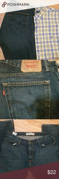 Livid 514 jeans size 36 x  30 The classic straight fit. Our 514 Straight Fit Jeans sit low on the waist and are generous through the seat and thigh with a straight leg. Best for athletic to medium builds. Like New Levi's Jeans Slim Straight