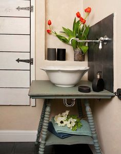 Small Bathroom Sink idea... So cute!!