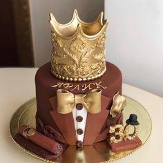 """Торты на заказ, Москва on Instagram: """"Шикарный торт в подарок мужчине😍 📲89175560528 @tortskazka 💁♀️ Вы можете связаться со мной в whatsapp, нажав на ссылку в шапке профиля,…"""""""