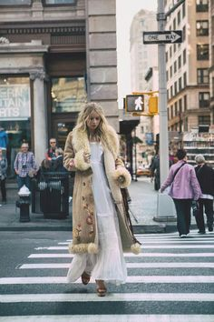 Mode : comment porter la tendance boho chic, outfits - Page 119 of 191 - 70s Fashion, Fashion Week, Look Fashion, Winter Fashion, Vintage Fashion, Womens Fashion, Fashion Trends, Mode Chic, Mode Style
