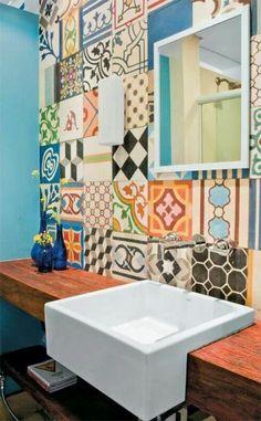 Badezimmer und Badezimmerfliesen farben designs bunt