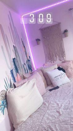 New Room Decor Diy Bedroom Room decor room diy decorations light decoration bed Cute Room Ideas, Cute Room Decor, Teen Room Decor, Room Decor Bedroom, Diy Bedroom, Bedroom Ideas, Bedroom Inspo, Chambre Indie, Dorm Room Organization