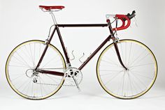 Feather Cycles is a custom bicycle company based in York, UK. Bespoke custom steel and stainless steel frames built by multiple award winning British frame builder Ricky Feather. Velo Vintage, Vintage Bicycles, Mtb, Classic Road Bike, Bike Equipment, Fixed Bike, Road Bike Women, Touring Bike, Bicycle Maintenance