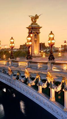 [Puente de Alejandro III, París - Hermoso puente del siglo XIX] » Pont Alexandre III, Paris - Beautiful bridge, 19th century.
