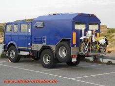 IVECO 90-16 AW mit absenkabaren Motorradträger bis 500 KG.