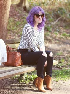 Mode Blog, Like A Riot, Fall Style, Fall Fashion, Autumn Outfit, Herbstlook, purple hair, Striped Shirt, Ripped Jeans