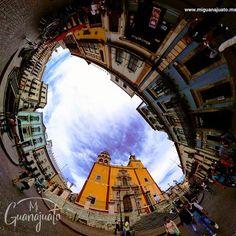 La bella plaza de la Paz y la maravillosa arquitectura de la Basílica de Nuestra Señora de #Guanajuato  #Guanajuato360 #patrimoniomx