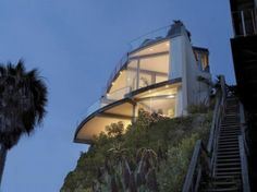 Great Glass House Architecture with Beautiful Pacific Ocean View