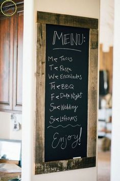 DIY Farmhouse Kitchen Chalkboard Sign Add some Farmhouse decor to your kitchen with this DIY chalkboard kitchen sign. Write love quotes to your family on this great kitchen DIY project. Chalkboard Wall Kitchen, Chalkboard Signs, Chalkboard Ideas, Chalkboard Paint, Chalkboard Drawings, Kitchen Chalk Boards, Chalk Board Diy, Blackboard Menu, Chalkboard Lettering