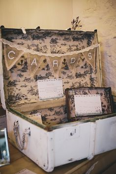 Fabulous DIY shabby chic wedding card box. Well done Lucy! Photo: Helen Lisk
