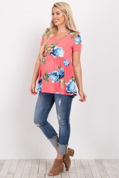 A floral print short sleeve maternity top. V-neckline. Peplum accent. This style was created to be worn before, during, and after pregnancy. #pregnancystyle