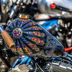 Custom Motorcycle Paint Jobs, Custom Paint Jobs, Airbrush, Hot Rods, Motorcycle Tank, Moto Bike, Cool Motorcycles, Bike Art, Biker Chick