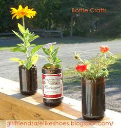 Beer Bottle Crafts- Even though my husband and I do not drink, so this pin is really useless to me, I am posting this for my 'ole ladies' on here that do. Beer Bottle Crafts, Beer Crafts, Clay Pot Crafts, Cork Crafts, Shell Crafts, Old Wine Bottles, Recycled Wine Bottles, Empty Bottles, Diy Projects To Try