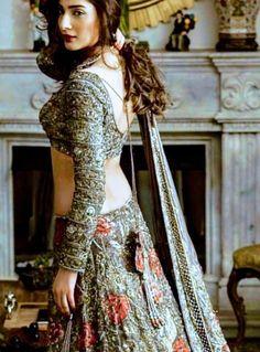 Desi Wedding Dresses, Asian Wedding Dress, Pakistani Wedding Outfits, Indian Bridal Outfits, Indian Bridal Lehenga, Indian Designer Outfits, Pakistani Dresses, Indian Dresses, Wedding Mandap