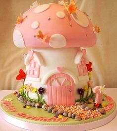 Cute cake via I love creative designs and unusual ideas on Facebook
