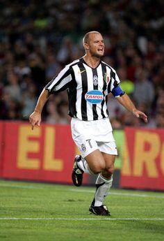 Gianluca Pessotto World Football, Football Players, David Trezeguet, Turin Italy, Juventus Fc, Old Women, Soccer, Lady, Sports