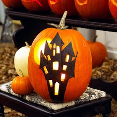 halloween pumpkins painted 22 light decoration ideas for making your own halloween kurbis ideen