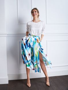 Romantic Outfit, Mom Dress, My Mom, Midi Skirt, Ootd, Skirts, How To Make, Beauty, Instagram