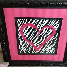 Picture Beautiful picture. My daughters room was done in hot pink and black. It was perfect hanging in her room Other