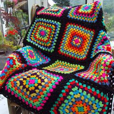 A handmade, vintage style, granny square crochet throw. The blanket measures 102 x 129 cm x 51 inches). Crochet Tunic Pattern, Granny Square Crochet Pattern, Crochet Granny, Crochet Blanket Patterns, Crochet Motif, Crochet Yarn, Crochet Solo, Crochet Ripple Blanket, Hippie Crochet
