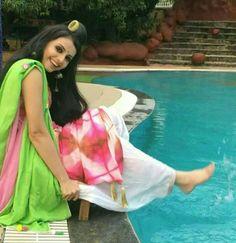 Dil Bole Oberoi, Traditional Outfits, Cover Up, Sari, Smile, Dresses, Fashion, Saree, Vestidos
