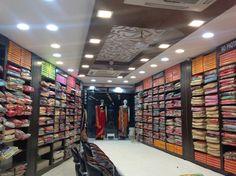 Clothing Store Interior, Clothing Store Displays, Clothing Store Design, Interior Designers In Delhi, Showroom Interior Design, Boutique Interior, Supermarket Design, Retail Store Design, Shop Counter Design