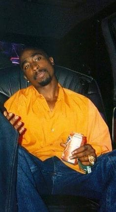 Tupac with the Sunkist soda and Newport's - Musik 2pac, Tupac Shakur, Tupac Quotes, Rap Quotes, Lyric Quotes, Movie Quotes, Qoutes, Tupac Wallpaper, Iphone Wallpaper