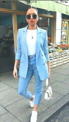 The best street style – Women Jeans – Ideas of Women Jeans – Discove… The best street style – Women Jeans – Ideas of Women Jeans – Discover the details that make the difference from the best Street… Continue Reading → Cool Street Fashion, Street Style Women, Fashion Outfits, Womens Fashion, Fashion Tips, 90s Fashion, Vintage Fashion, Vintage Ysl, Color Fashion