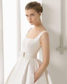 Raw silk wedding dress. Rosa Clará 2016 Collection.