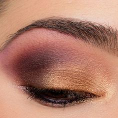 First time using the new Urban Decay Naked Heat palette! I wanted to use Lumbre on the center of the lid for more of a halo effect, as the majority of the shades in the palette were fairly dark, and I built the look from there.