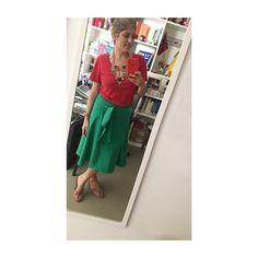 Fajardo, Looks Instagram, Pants, Fashion, Color Combos, Complimentary Colors, Trouser Pants, Moda, Trousers