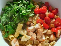 Pasta, tender chicken, spinach and tomatoes baked up beautifully in an amazing cream sauce.