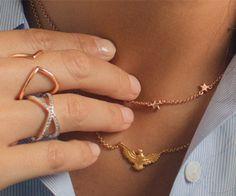 Aristocrazy: descubre nuestras colecciones de anillos, pulseras, colgantes, collares, pendientes… Y nuestras colecciones especiales de joyas: ¡Te encantarán!