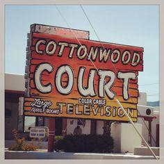 Cottonwood Court Motel - Santa Fe, NM by Mr. Tiny for thewackytacky.blogspot.com