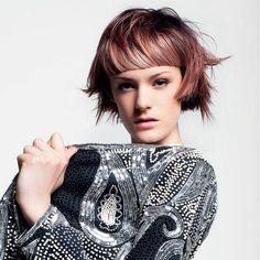 Účesy pre krátke vlasy jeseň / zima 2014/2015: Účesom pre krátke vlasy pristanú mahagónové odtiene.