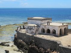 The Capela de Nossa Senhora Baluarte next to the Fortaleza de São Sebastião on Mozambique Island, is reputed to be the oldest European building in the southern hemisphere. Mozambique Beaches, East Africa, Day Tours, Beach Resorts, Places To Visit, Old Things, Island, Travel, Outdoor