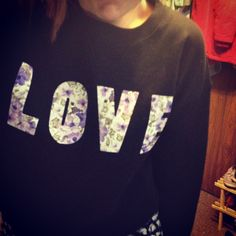 DIY Floral Word Crew Neck Sweater maybe with xoxo next time?