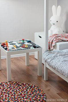 """IKEA HACK LACK Tisch. Eine super Alternative zum Straßenteppich ist dieser Strassentisch """"Kleine Stadt"""" www.limmaland.com"""