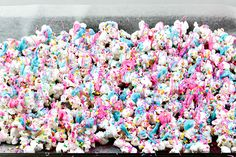 Have kids that love the Trolls movie? Here's a fun Trolls Movie Night Popcorn recipe, perfect for family fun night, birthday parties, or slumber parties! Dance Party Birthday, Trolls Birthday Party, Birthday Party Decorations Diy, Troll Party, Barbie Birthday, 3rd Birthday Parties, Birthday Ideas, Birthday Boys, Cake Birthday