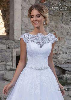ERLENE: A união de todos os detalhes desse modelo deixa a noiva perfeita no seu casamento. Para saber mais, acesse: www.russianoivas.com #vestidodenoiva #vestidosdenoiva #weddingdress #weddingdresses #brides #bride