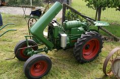 Holder Classic Tractor, Cars And Motorcycles, Diesel, Vehicles, Garden, Tractors, Restore, Antique Cars, Diesel Fuel