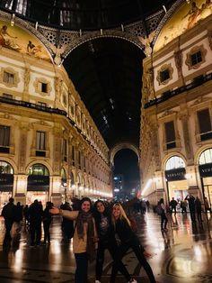 Milan Italy, Louvre, Street View, Building, Travel, Viajes, Adventure, Traveling, Construction